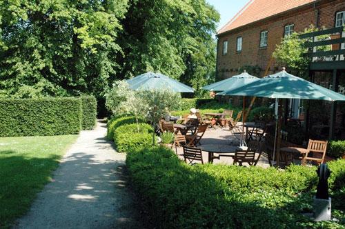 Udstilling i Haveselskabets have ved Clausholm 2007 - Granitklubben